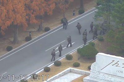 Kamere ujele ubežnika iz Severne Koreje, nanj so streljali njegovi vojaki