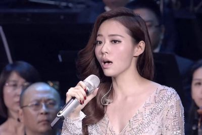 Kitajska pevka z operno pesmijo prevzela svet, njen glas te v hipu začara