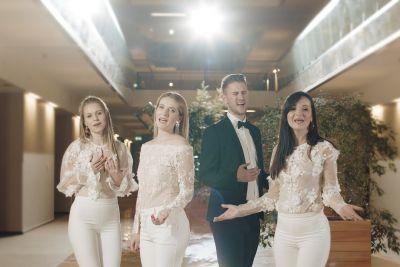 VIDEO: To je nova slovenska poročna pesem, ki je prevzela mnoge Slovence