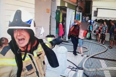 VIDEO: Mestni redar v Piranu stekel v ogenj, da bi 14-letniku rešil življenje