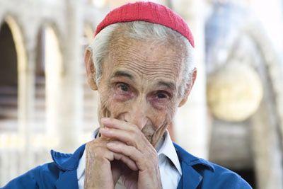 93-letni moški porabil več kot 50 let, da je z golimi rokami zgradil katedralo