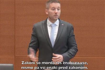 Slovenski poslanec z govorom obkroža državo, njegove besede ti dajo misliti