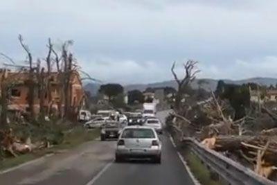 VIDEO: Grozljivka iz Italije: Vasico je razdejal uničujoč tornado!