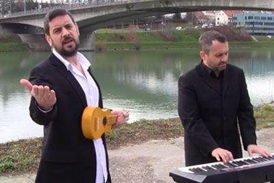 VIDEO: Reporter Milan obnorel družbena omrežja: Privoščil si je slovensko uspešnico!