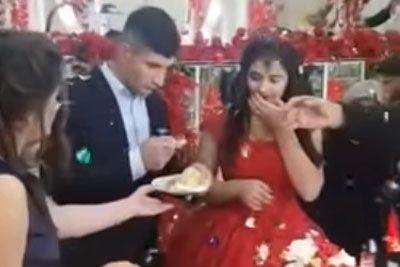 Ženin iz pekla: To je storil na svoji poroki, ko je rezal torto!