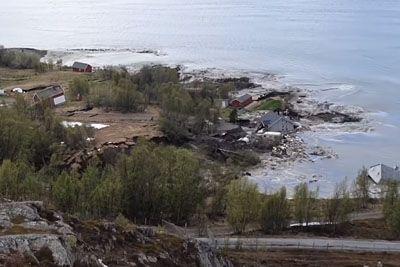 VIDEO: Grozljiv posnetek plazu na Norveškem: Hiše je odneslo v morje!