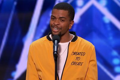 Na talentu je navdušil s poezijo: Sodnik mu je za nastop pritisnil zlati gumb!