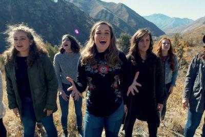 Dekleta zapela svetovno poznano uspešnico: Njihov nastop je balzam za dušo!