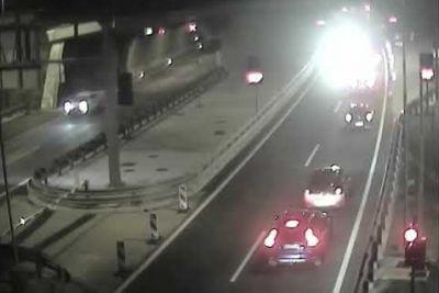 VIDEO: Šok pred predorom Markovec, v napačno smer je vozil s 100 km/h