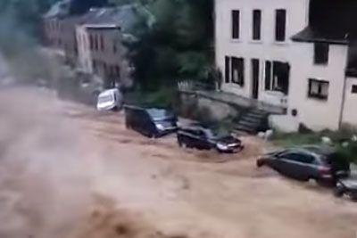 Grozljiv prizor iz Belgije, ulica se je v nekaj sekundah spremenila v reko